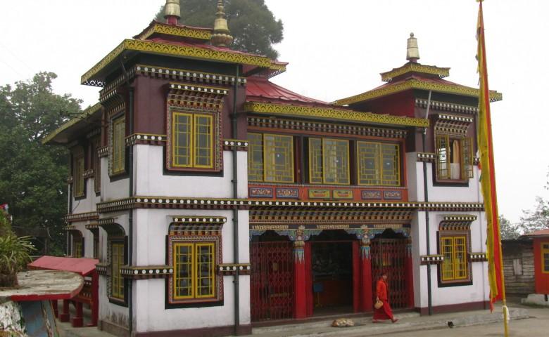 tea estate vacation in india, luxury tea hotels in darjeeling, tea estates in darjeeling